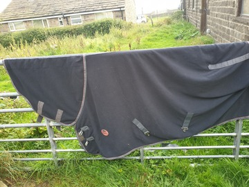 Selling: Cooler fleece