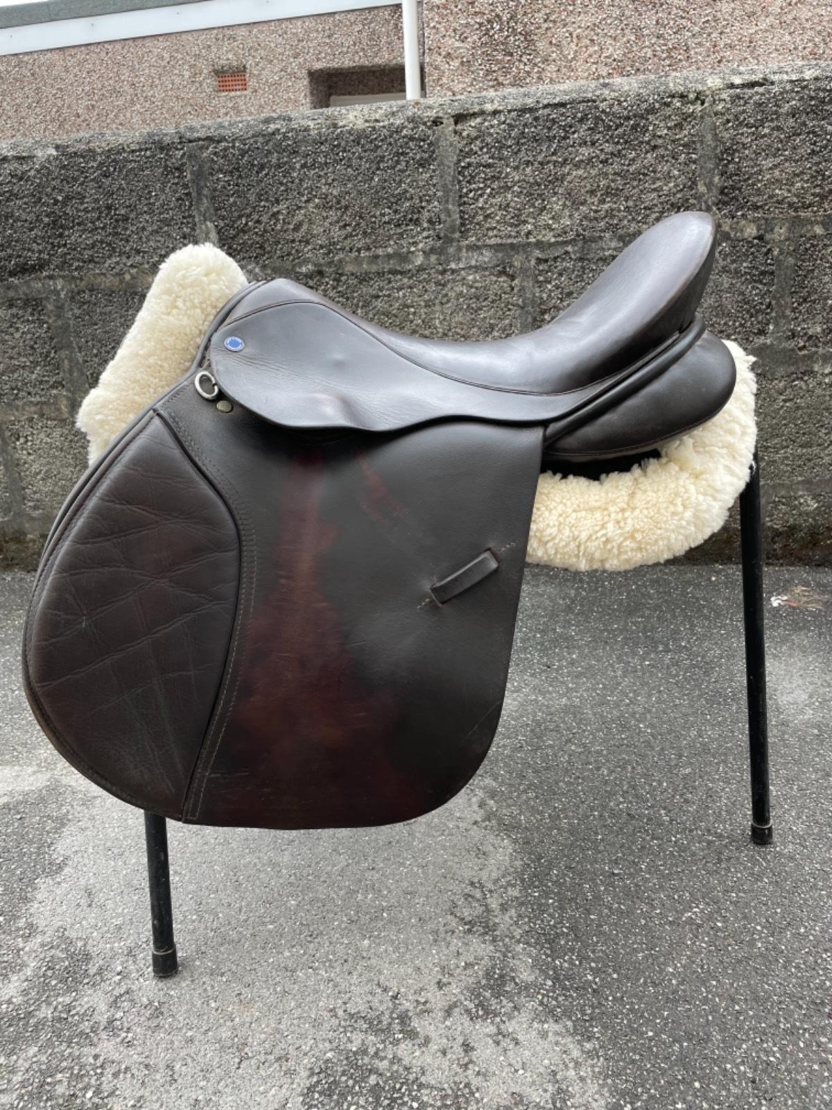 Brown 17.5 M/W GP/Jump Saddle